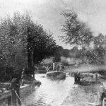 042 Packards barge in Gt Blakenham Lock