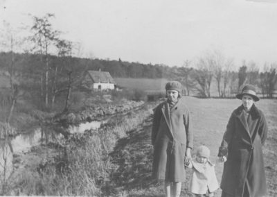 Florence, Les and Elsie Ward
